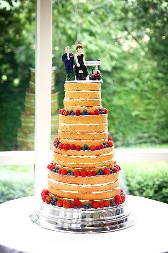 The couple opted for a sponge cake ratehr than traditional fruit cake