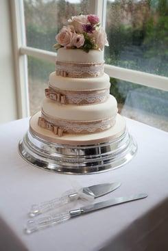 Rachel's mum made the cake