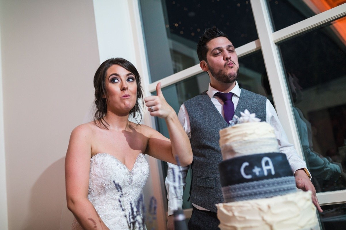 cutting the cake shottle